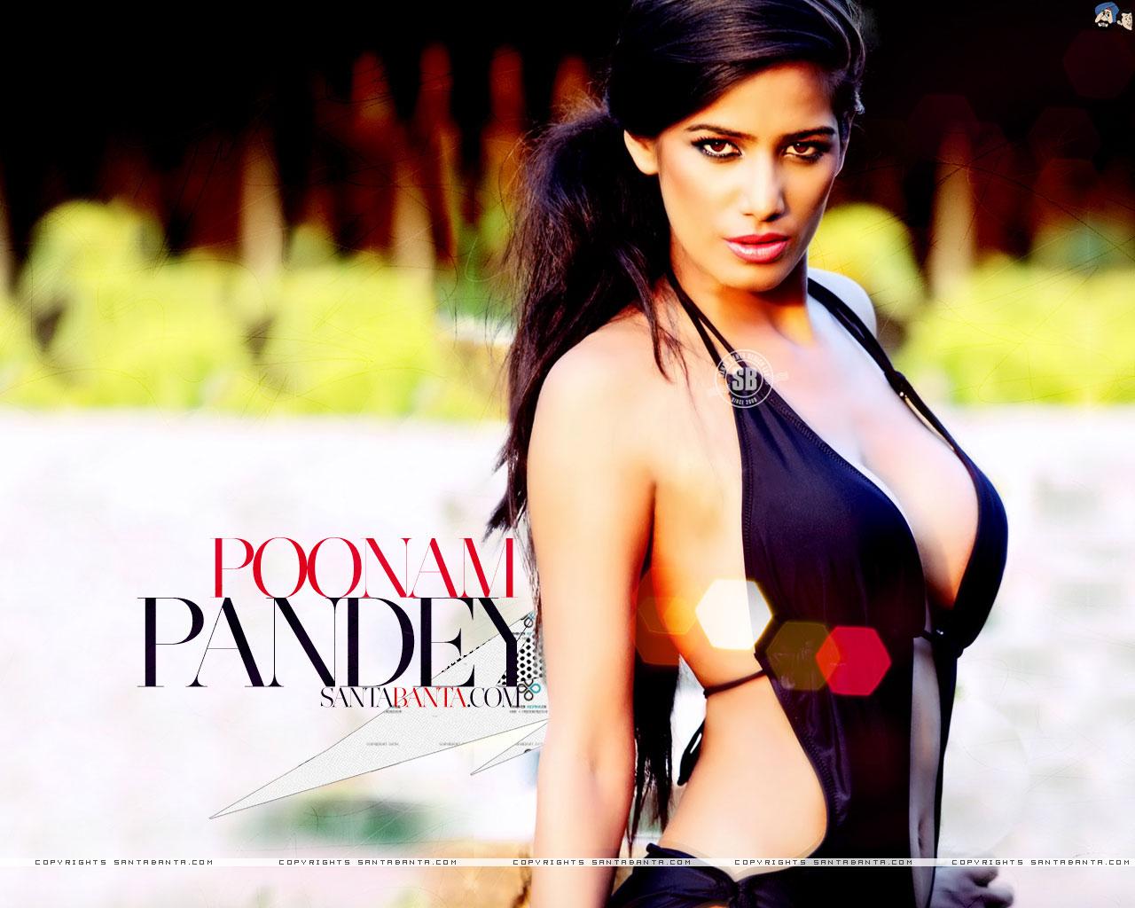 Hot n sexy poonam pandey