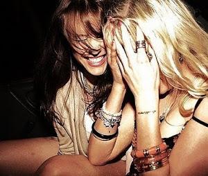 La risa es el mejor tranquilizante, sin efectos secundarios:D