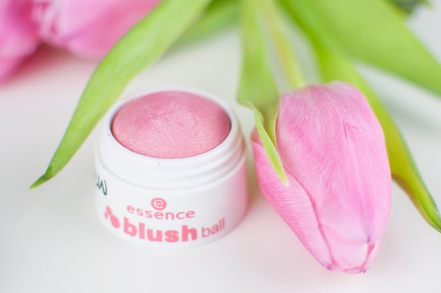 Essence Blush Ball