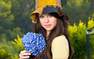 Selena Gomez Life on Selena Gomez Biography   Selena Gomez   Zimbio