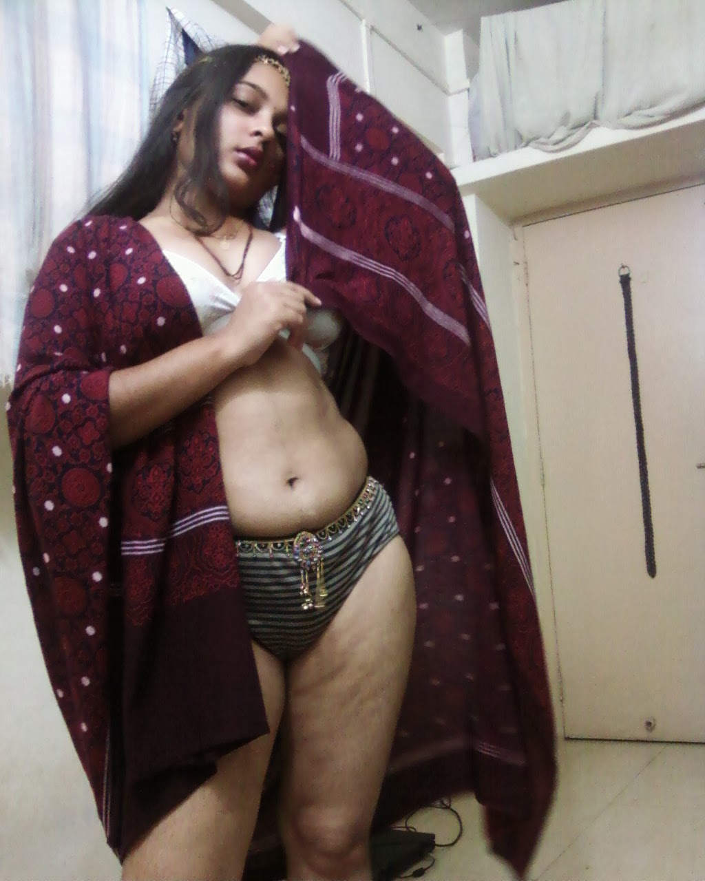 thongs-marwadi-aunties-nude-teasing-girls-with