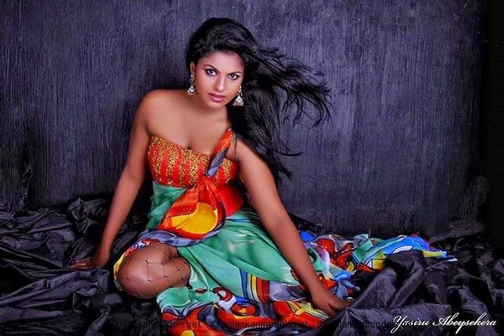 Model Nathasha Natha