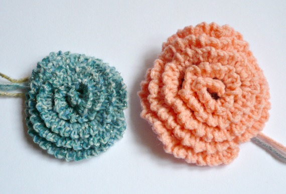 Easy Crochet Flower Patterns For Hats : Nicely Created For You: FREE PATTERN - Simple Crochet Flowers