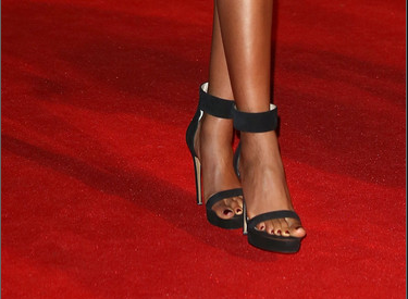 The Chick Fix: FASHION FIX: NAOMIE HARRIS & HALLE BERRY SPARKLE AT ... Halle Berry