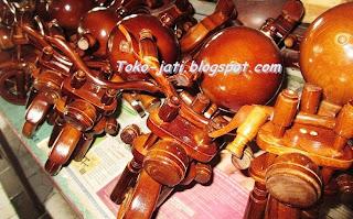 http://toko-jati.blogspot.com/2013/02/miniatur-motor.html