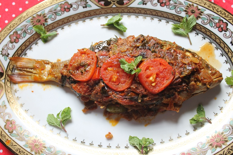 Indian baked whole fish recipe baked masala fish recipe recipe indian baked whole fish recipe baked masala fish recipe forumfinder Image collections