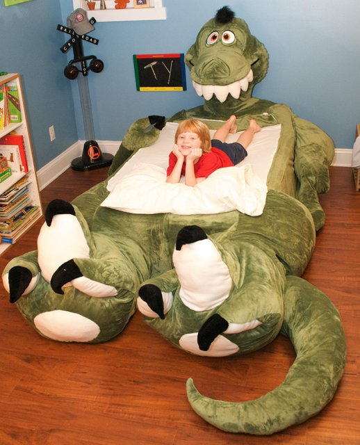 Trés Chic: Dinosaur Bed