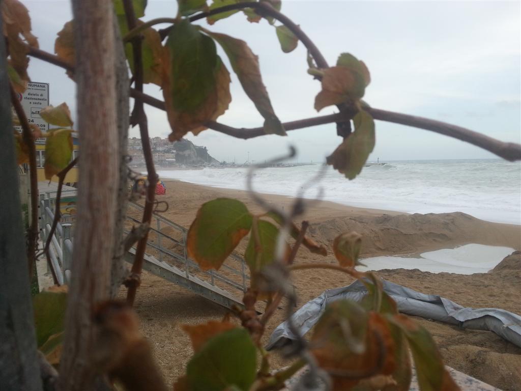 Numana mareggiata novembre 2012