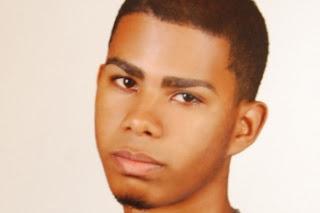 Joven fotógrafo tiene 16 días desaparecido