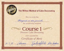 "... y también Certificado ""The Wilton Method of Cake Decorating"""