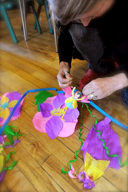 How to make flower bunting