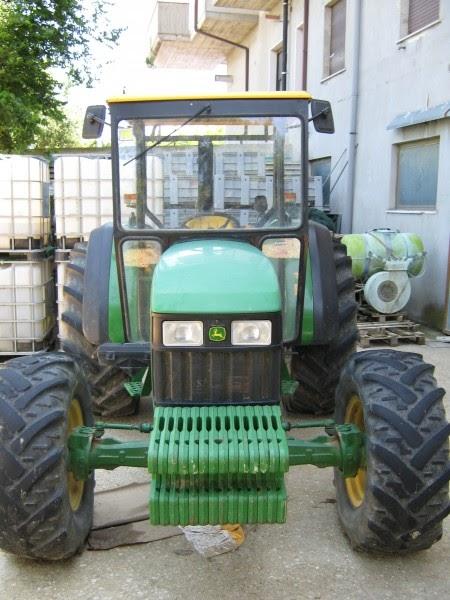 Attrezzature agricole trattore agricolo john deere 5510 for Cerco john deere usato
