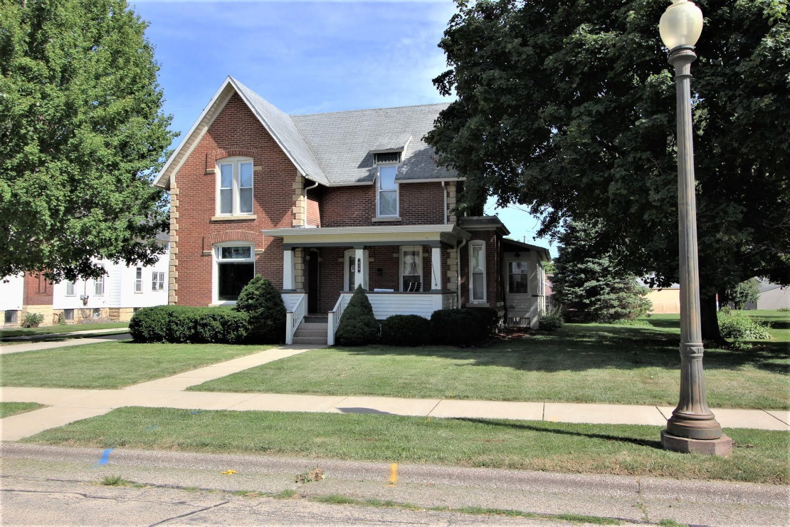 410 West Pleasant St., Maquoketa, IA $205,000