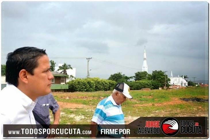 Jorge Acevedo en los 'casa a casa' conoce necesidades y recoge firmas de apoyo para llegar a la Alcaldía de Cúcuta