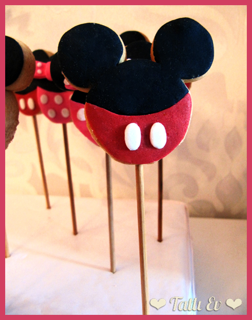 Mickey ve Minnie Mouse Temalı Kurabiyeler