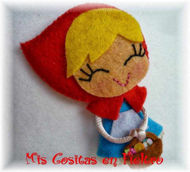 broche, broche de fieltro, felt pin, personajes, Caperucita, Caperucita roja, red riding hood, diadema
