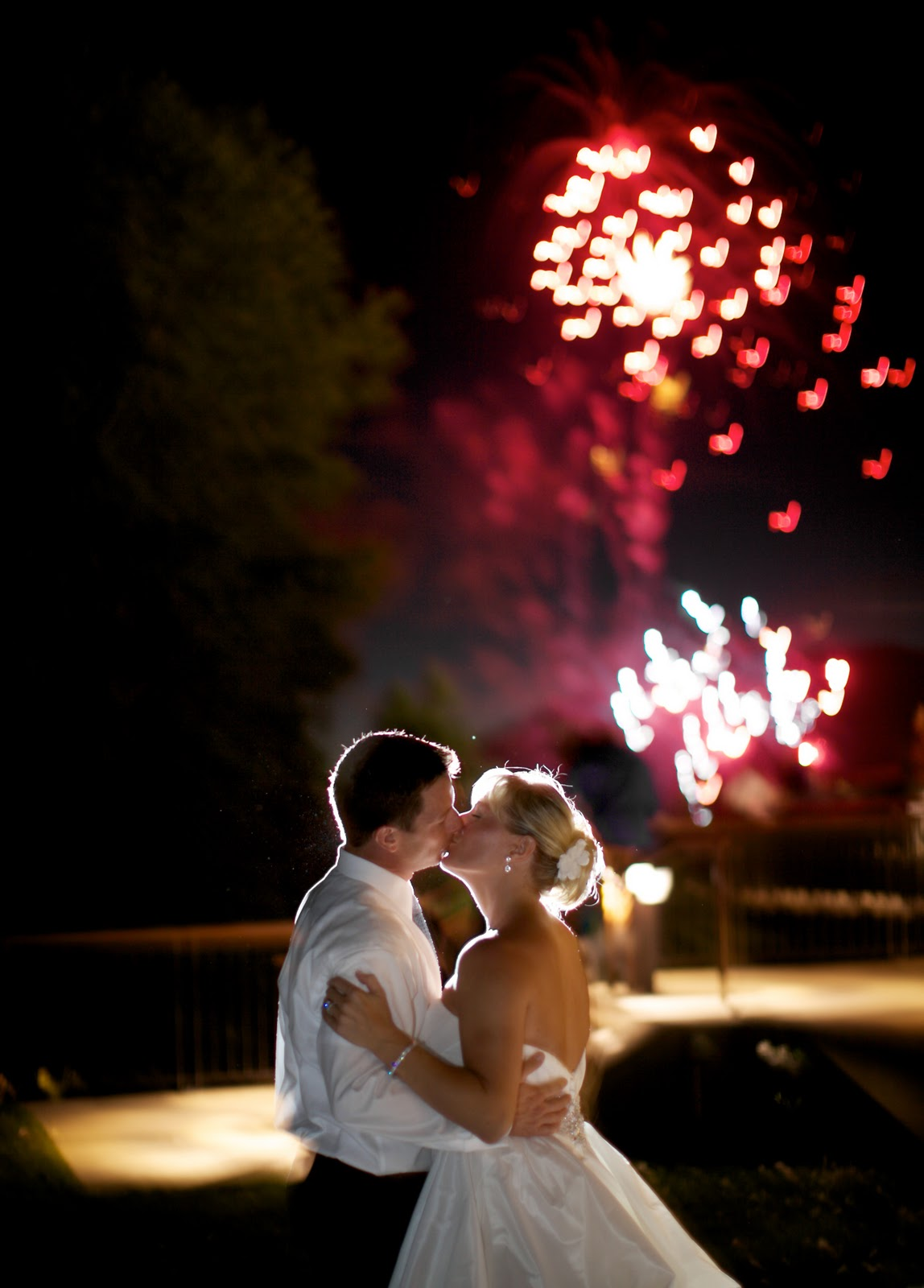 Салют на свадьбе - фото фаер-шоу, красивый фейерверк 59