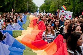 """Peter Costea 🔴 Marșurile """"diversității"""" în România și înșelăciunile lor"""