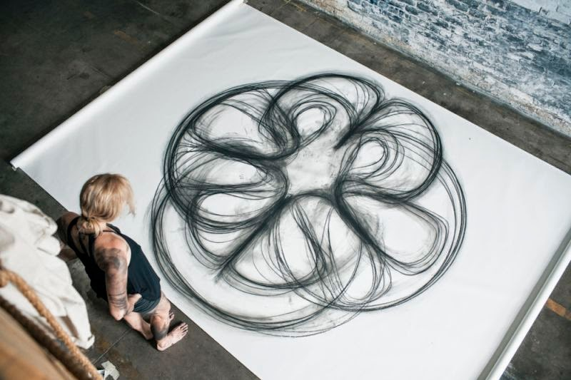 Artist Heather Hansen Creates Incredible Charcoal Drawings Using Her Dance Moves
