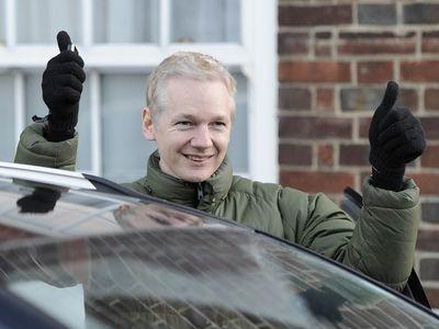 Ассанж в посольстве Эквадора // Новости WikiLeaks