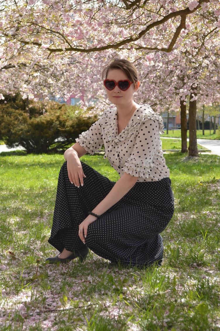 georgiana, quaint, quaintrelle, cherra blossoms, sakura, 1920s easy virtue, movie, vullotes palazzo trousers, polka dots, vintage