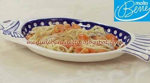 Spaghetti con acciughe ricetta Parodi per Molto Bene su Real Time