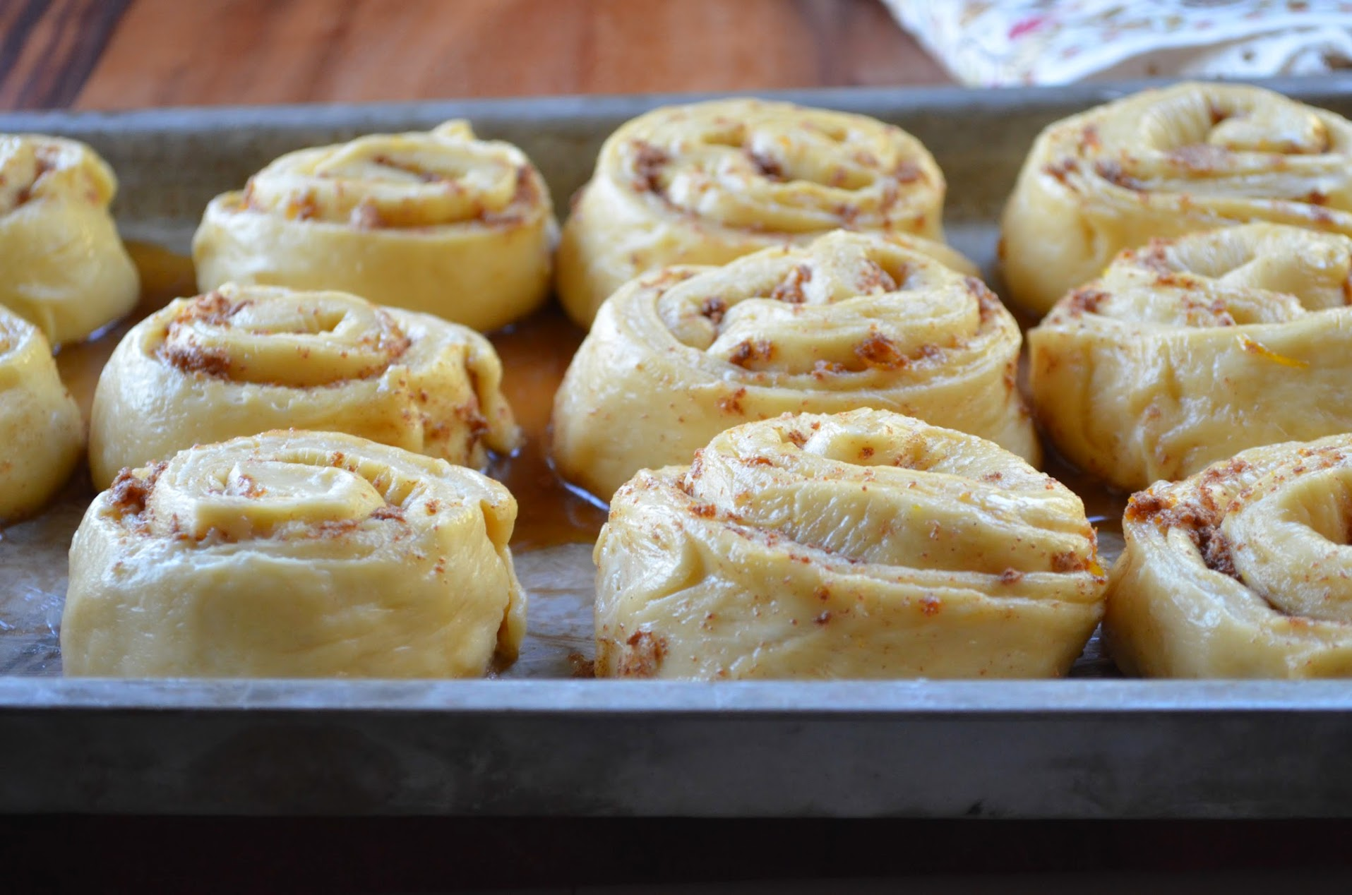 Citrus-Orange-Cinnamon-Rolls-Cut-Rolls.jpg