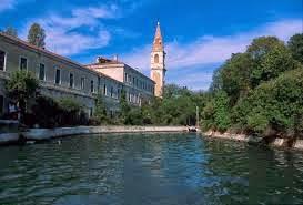 Pulau Poveglia, Pulau Angker di Italia Barat