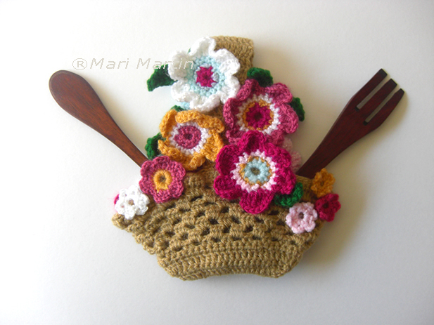 Crochet Pot Holder Flowers Basket Pattern ~ Crochet Colorful