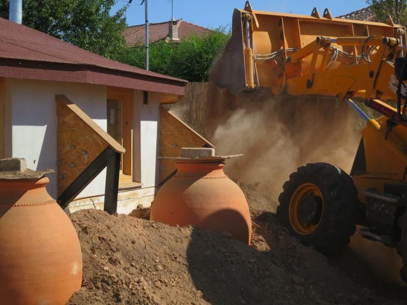 Pan y trillar soterramiento de las tinajas para recoger - Recoger agua de lluvia ...