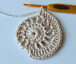 Free crochet pattern of coaster