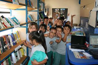 Niños en el Dibamóvil de Coquimbo (Chile)