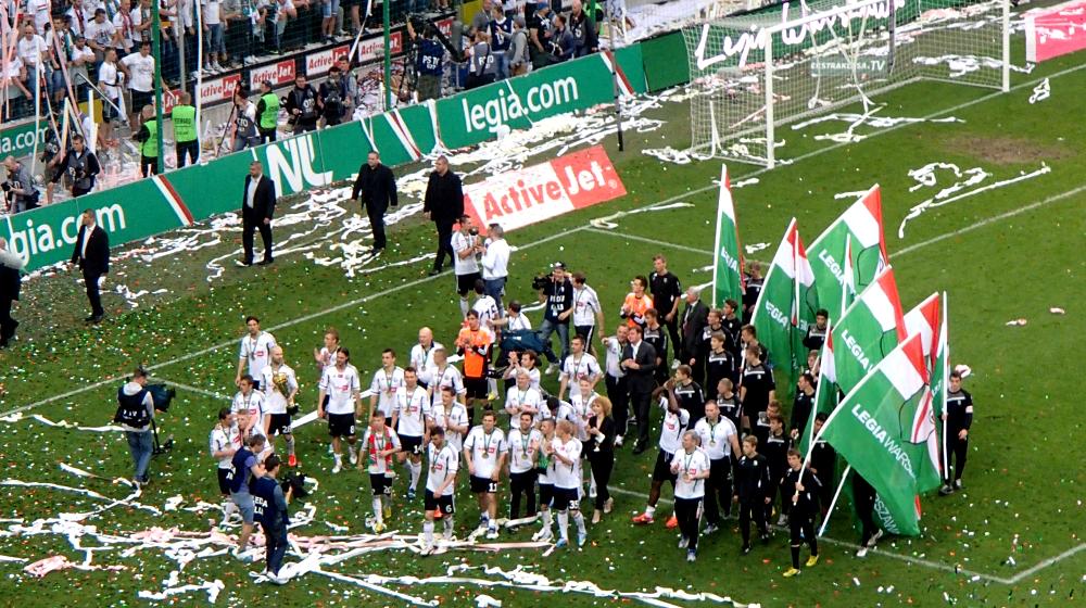 Piłkarze Legii Warszawa świętują zdobycie mistrzostwa Polski - fot. Tomasz Janus / sportnaukowo.pl
