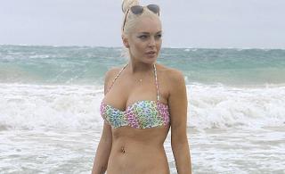 Lindsay Lohan Beach Pics, Lindsay Lohan Bikini Pics