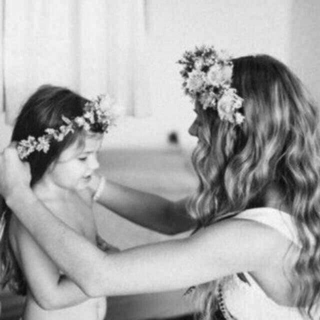 coroa de flores-Crown flowers-tiara de flores-flores-acessorios de cabelo-cabelos-moda infantil-la mode pour enfants-children's fashion