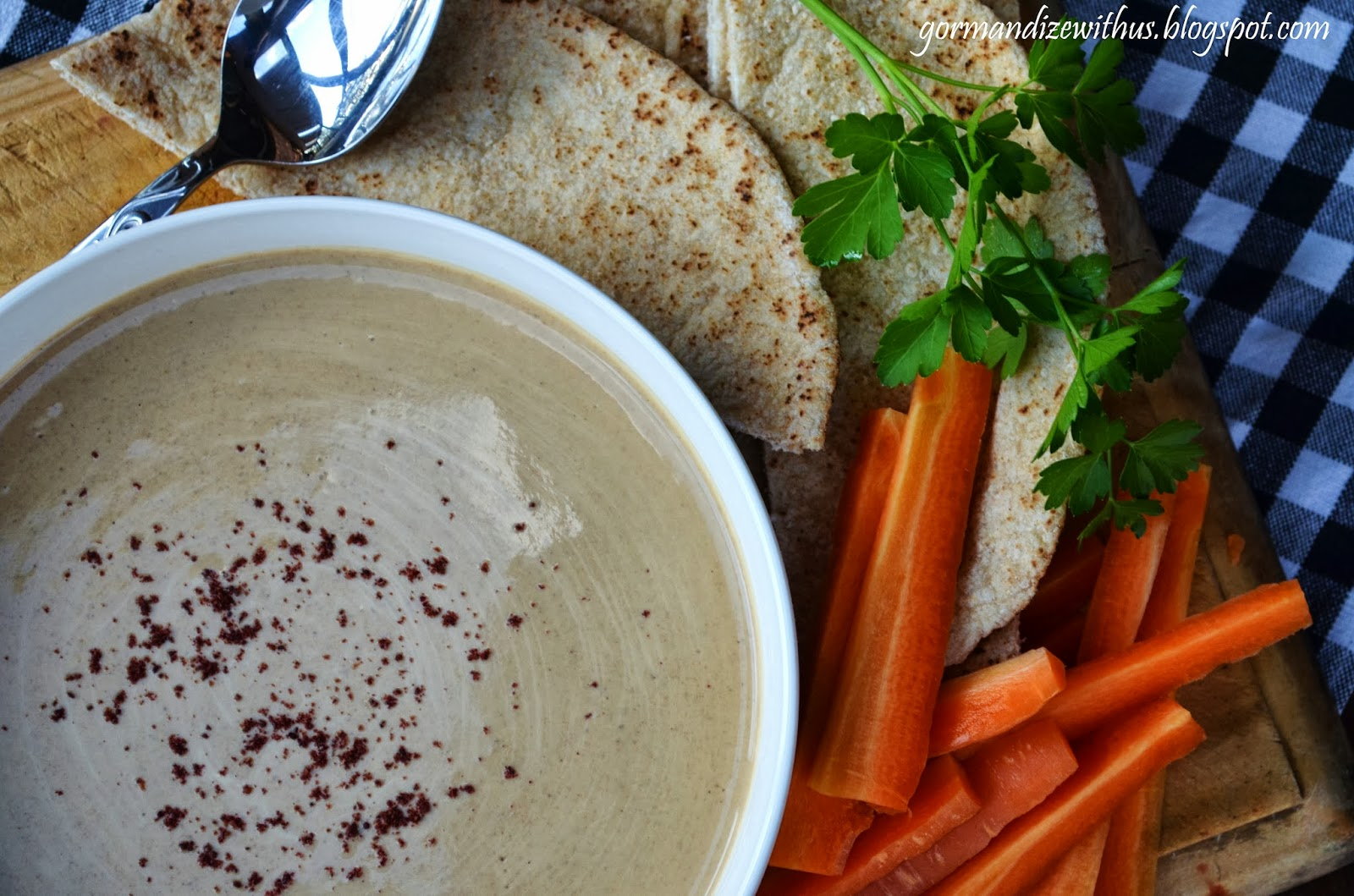 Smear It On Your Veggie Burgers Drizzle It Over Your Tofu Or Just Use It As A Dip With Fresh Chopped Veggies And Crusty Bread Yum Creamy Tahini Sauce