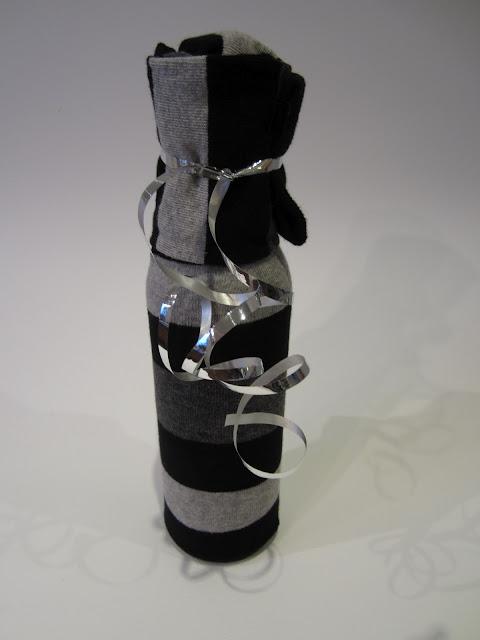 gift wrap wine bottles dinner party ideas