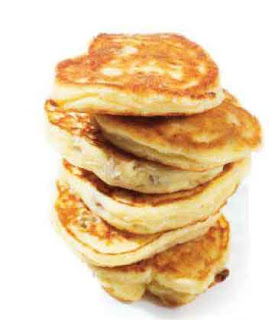 Syrniki (Russian Sweet Cheese Pancakes)
