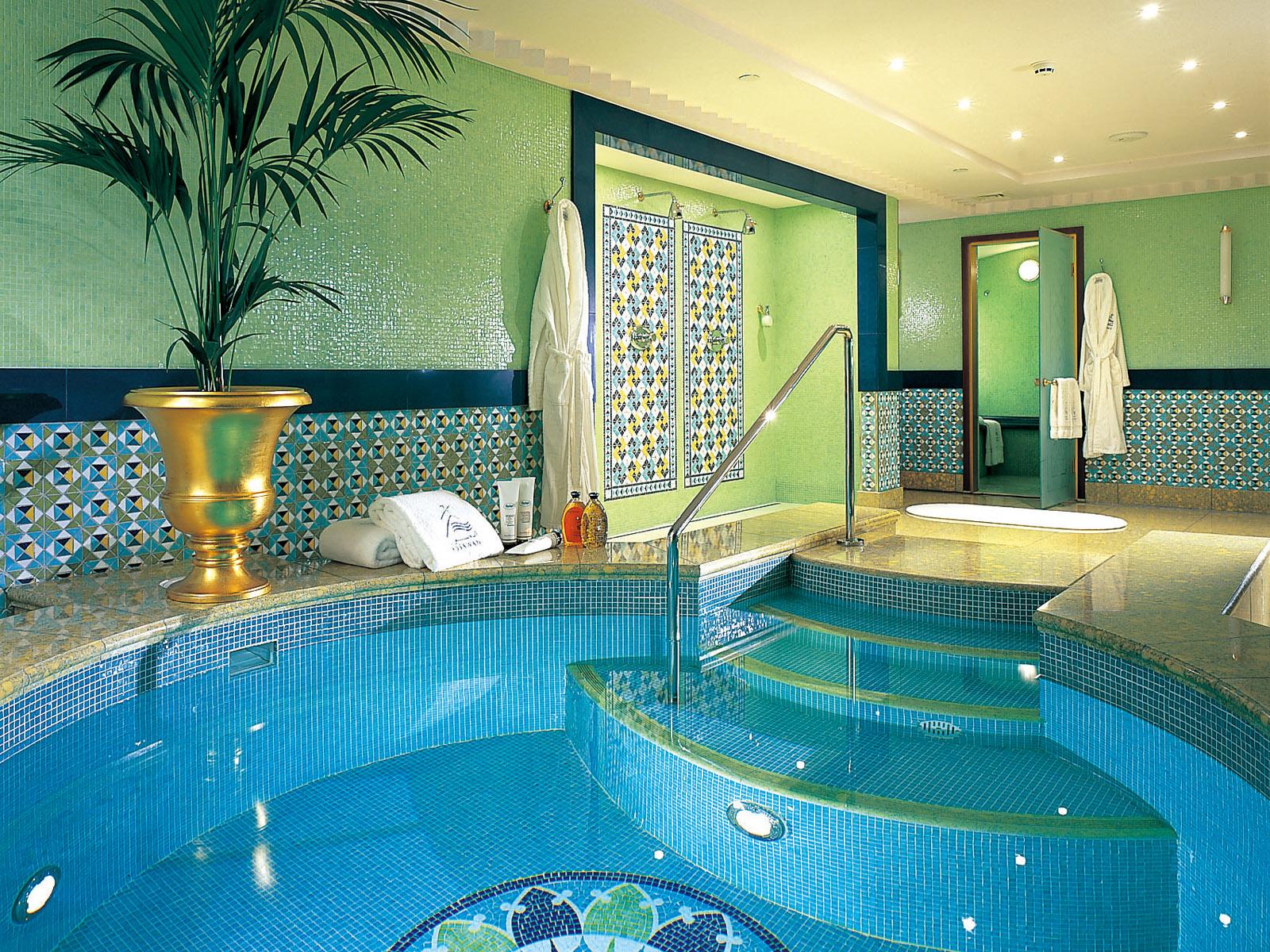 Luxury Life Design The World 39 S Only 7 Star Hotel Burj