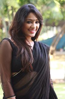 Samruthika  Picture Gallery in Black Saree at Aayirathil Iruvar Movie Press Meet ~ Celebs Next