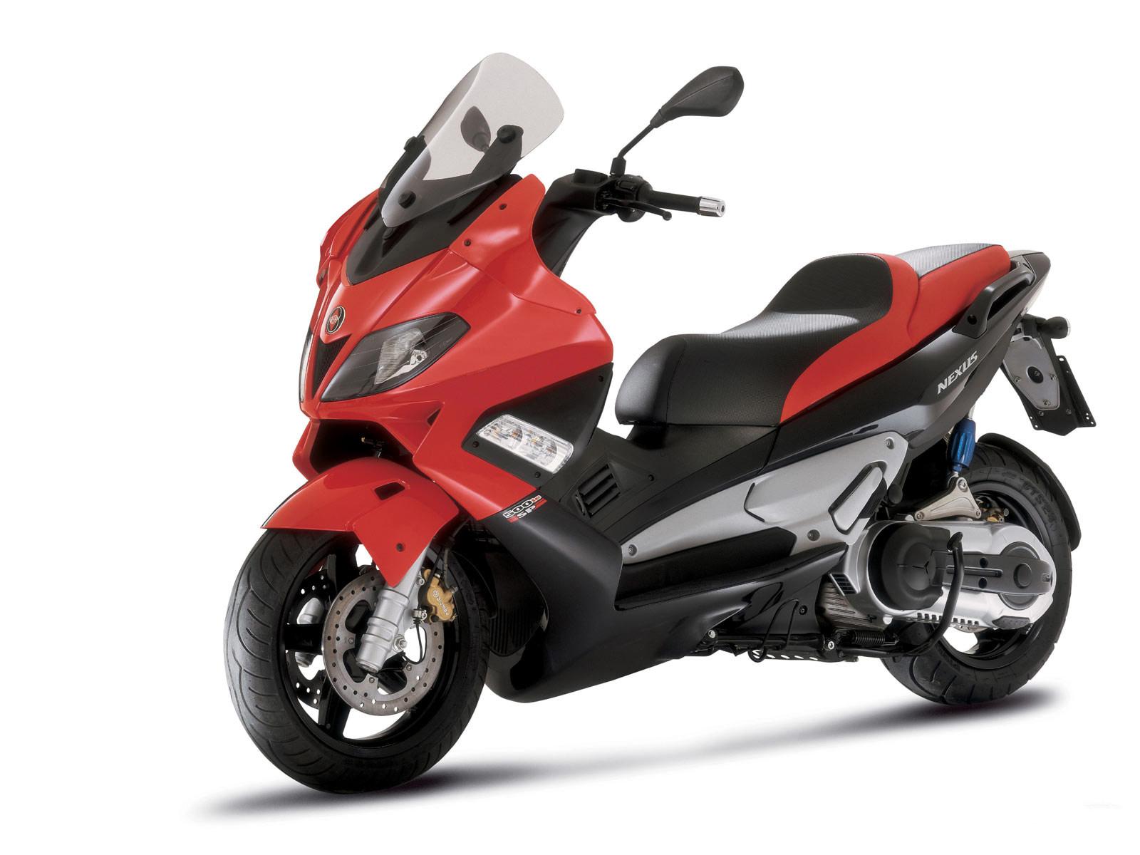 Gilera Nexus 500 scoot...