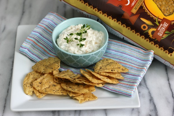 Skinny French Onion Dip with Greek Yogurt