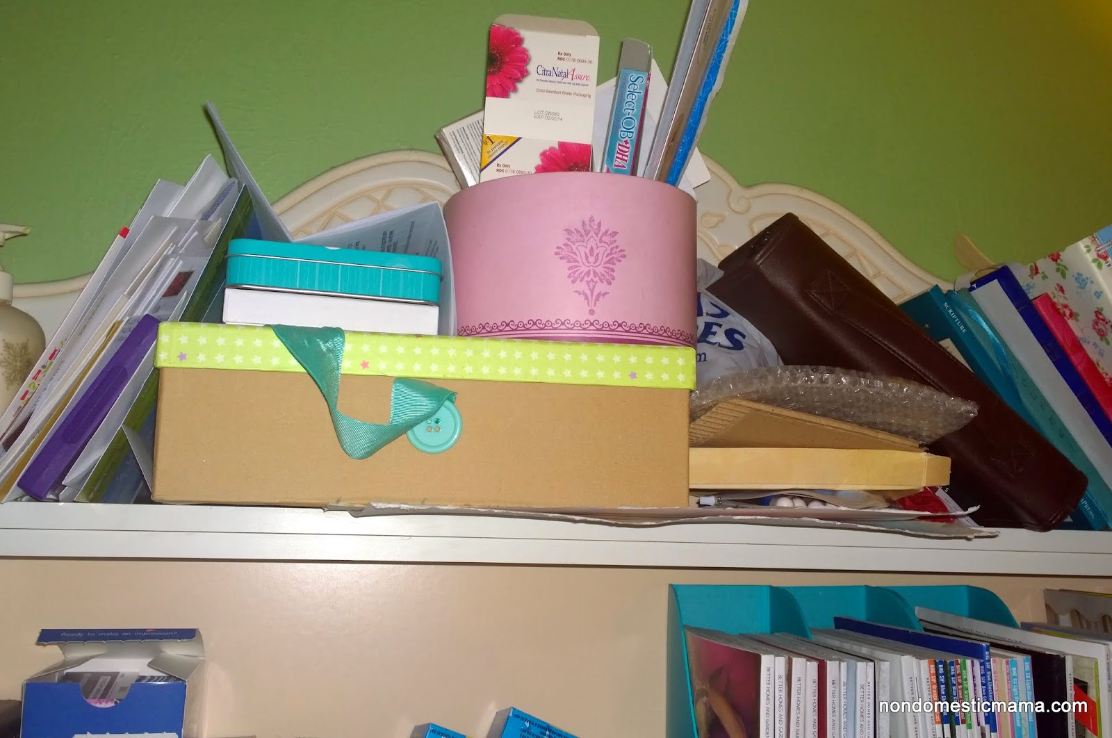{Day 6} Living Area Desk - 31 Days of De-Hoarding #write31days