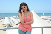 Actress Kajal Agarwal's New Wide Screen Wallpapers