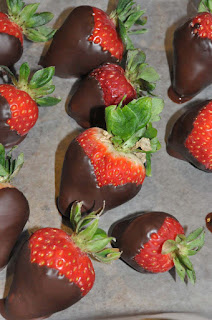 Recipe: Chocolate dipped strawberries