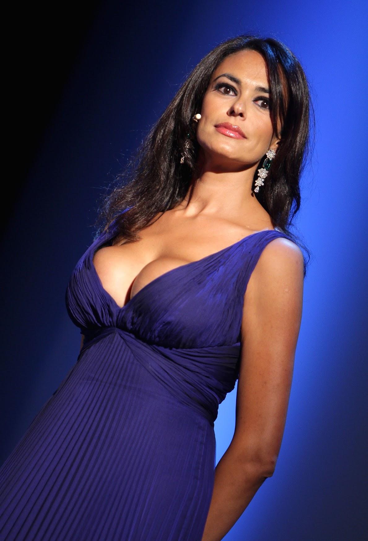 http://3.bp.blogspot.com/-FVvbRFN0GLw/TayG6ItJLjI/AAAAAAAAALE/b4SU5YSyVQM/s1750/25366_Maria_Grazia_Cucinotta_004_122_534lo.jpg