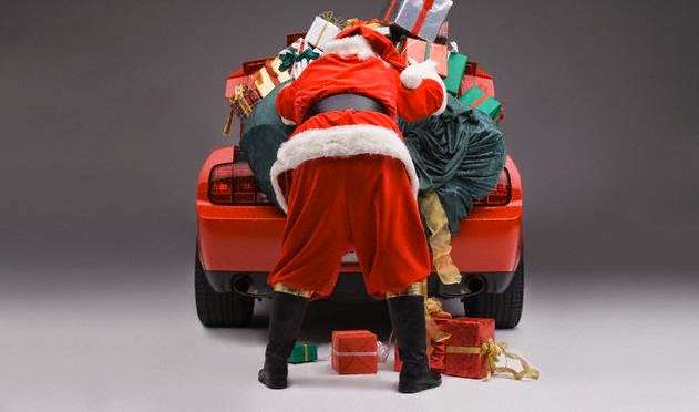 Wallpaper Mobil Santa Claus di Malam Natal