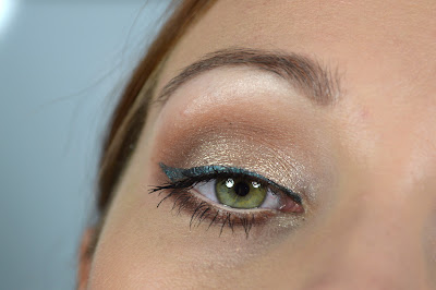 http://blushesandmore.blogspot.co.at/2014/08/nachgeschminkt-september-2014-sultry.html
