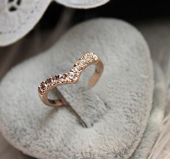 EShowBiz Beautiful Rings