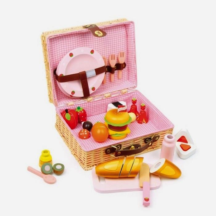 Pequefelicidad 12 juguetes simb licos naturales que te - Jugueteros de madera ...